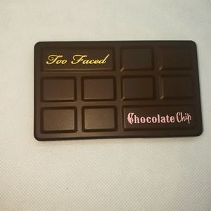 New w/o box Too Faced Chocolate Chip pallete